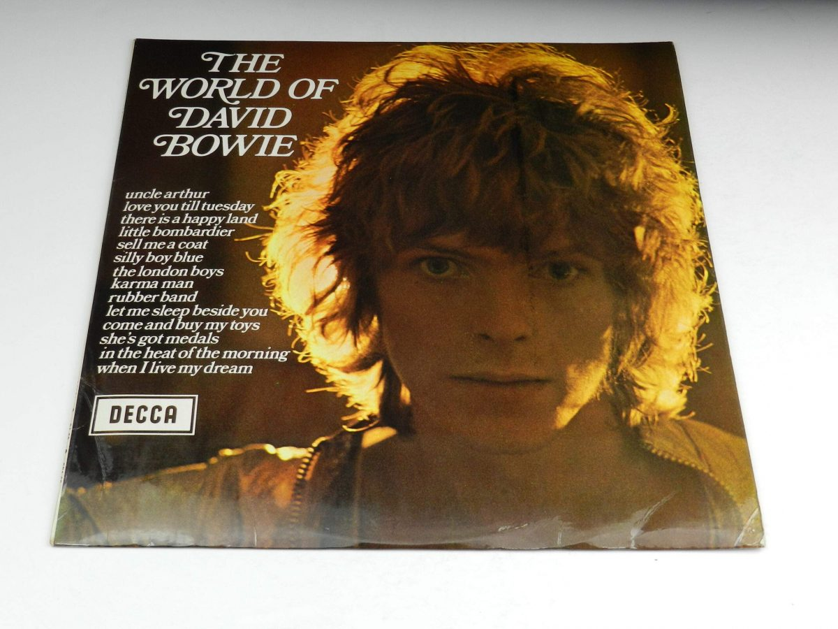 David Bowie – The World Of David Bowie vinyl record sleeve scaled