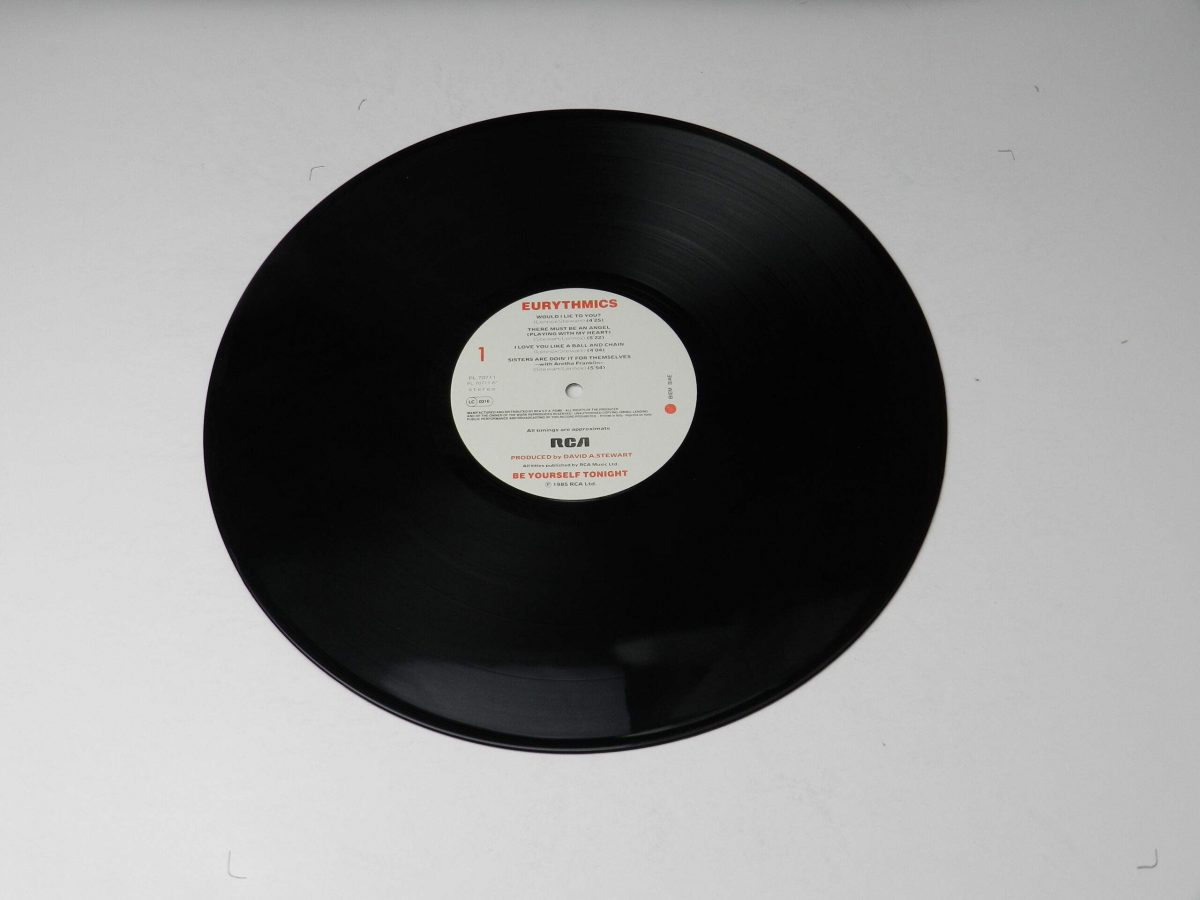 Eurythmics – Be Yourself Tonight vinyl record side A scaled