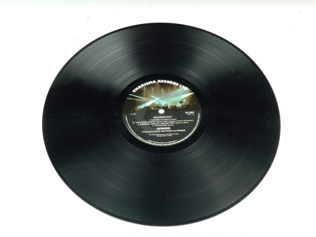 Genesis – Seconds Out vinyl record 1 side A scaled