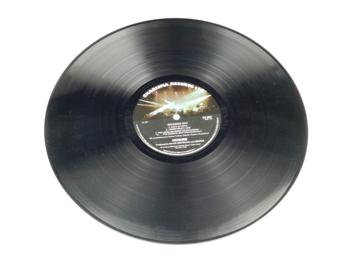 Genesis – Seconds Out vinyl record 1 side B scaled