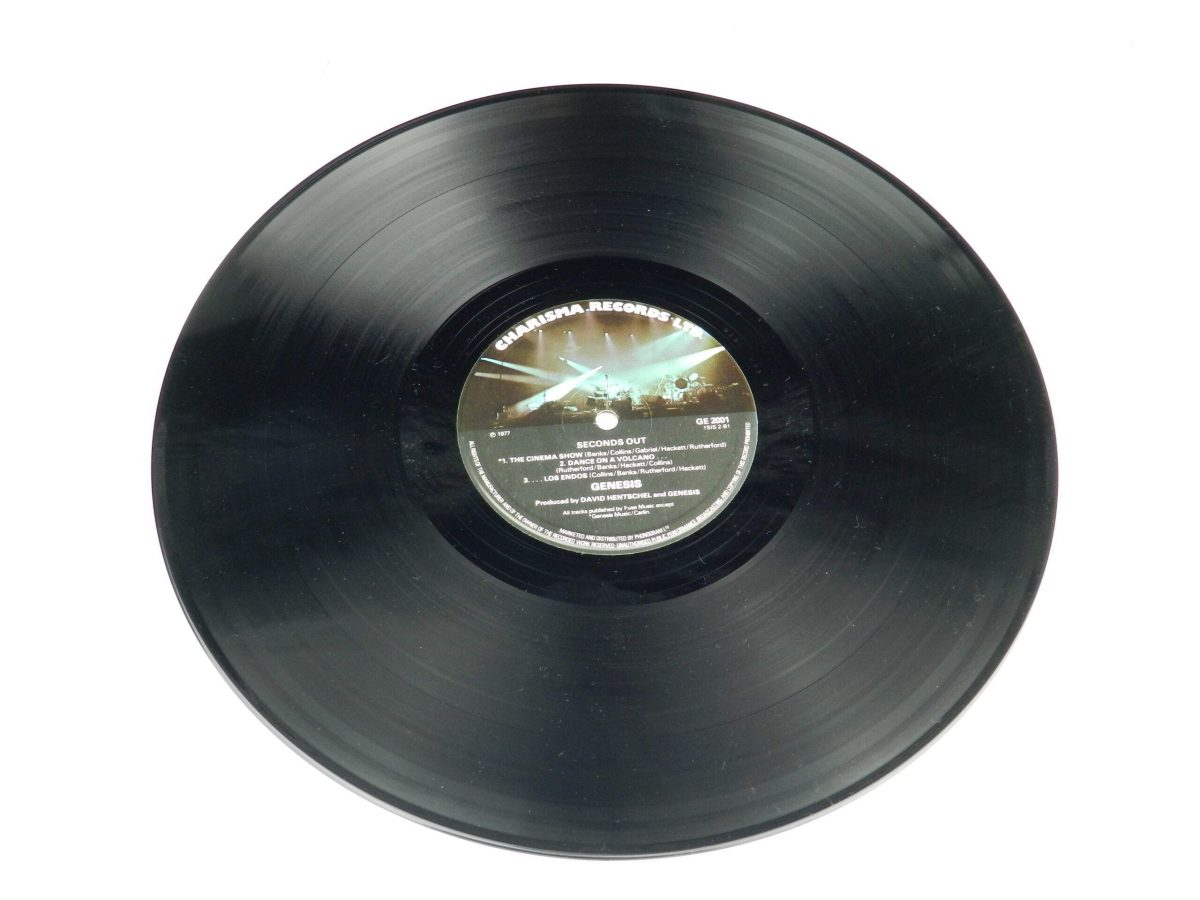 Genesis – Seconds Out vinyl record 2 side B scaled