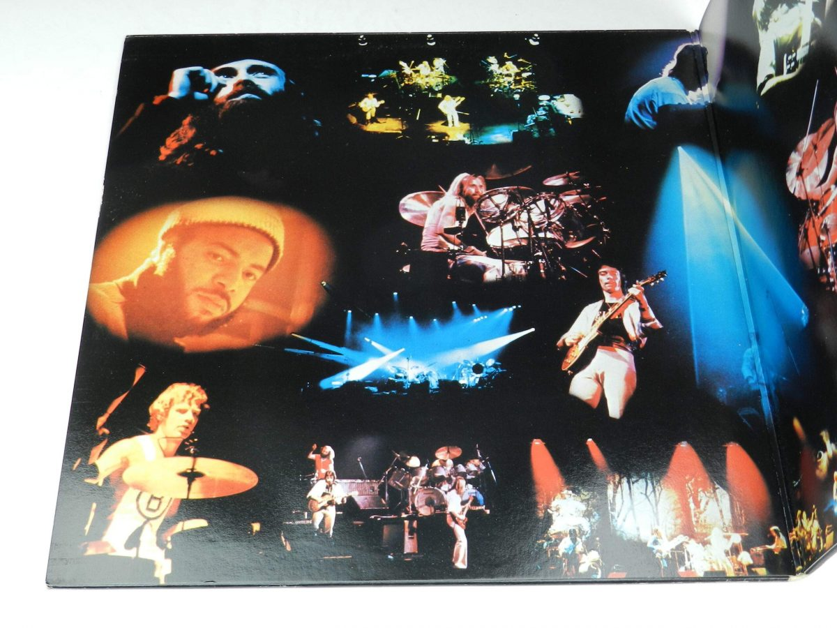 Genesis – Seconds Out vinyl record sleeve gatefold 1 scaled