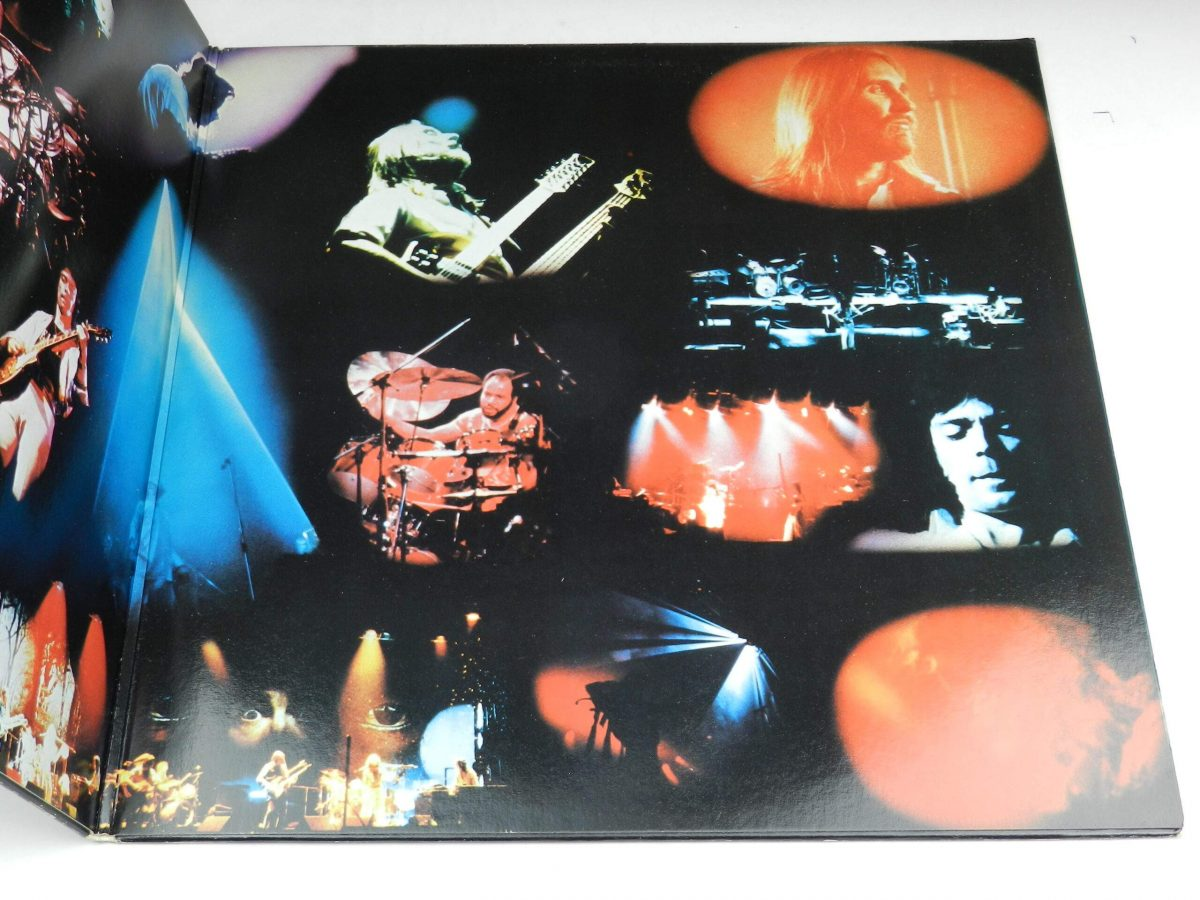 Genesis – Seconds Out vinyl record sleeve gatefold 2 scaled