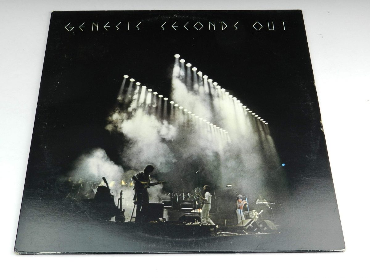 Genesis – Seconds Out vinyl record sleeve scaled