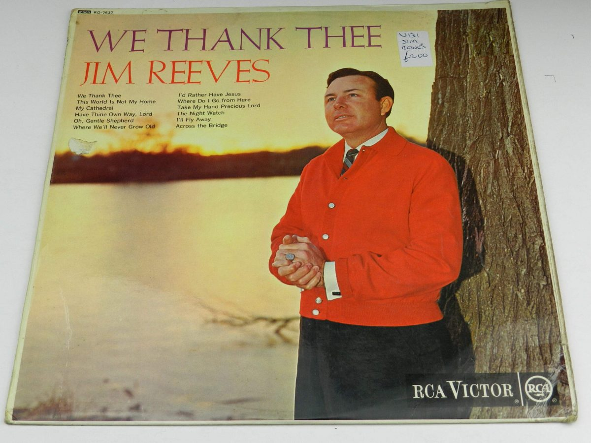 Jim Reeves – We Thank Thee vinyl record sleeve scaled