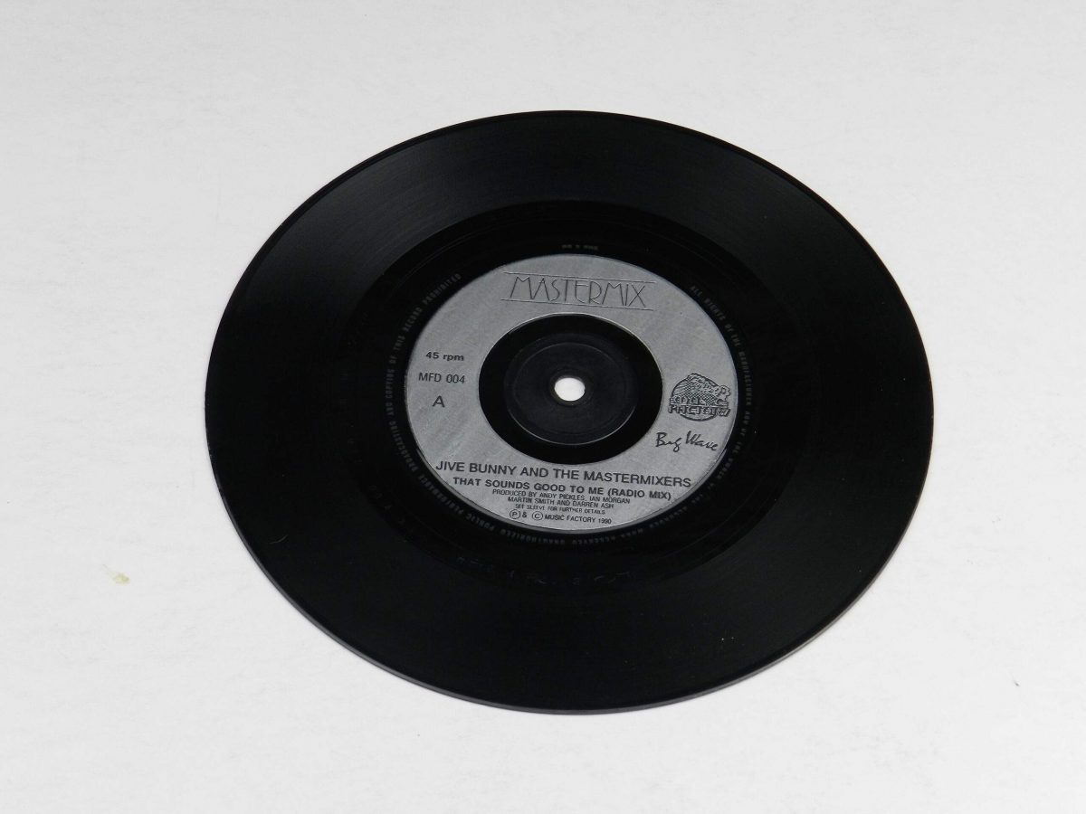 Jive Bunny And The Mastermixers – That Sounds Good To Me vinyl record side A scaled