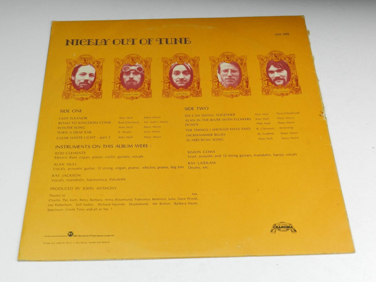 Lindisfarne – Nicely Out Of Tune vinyl record sleeve rear scaled