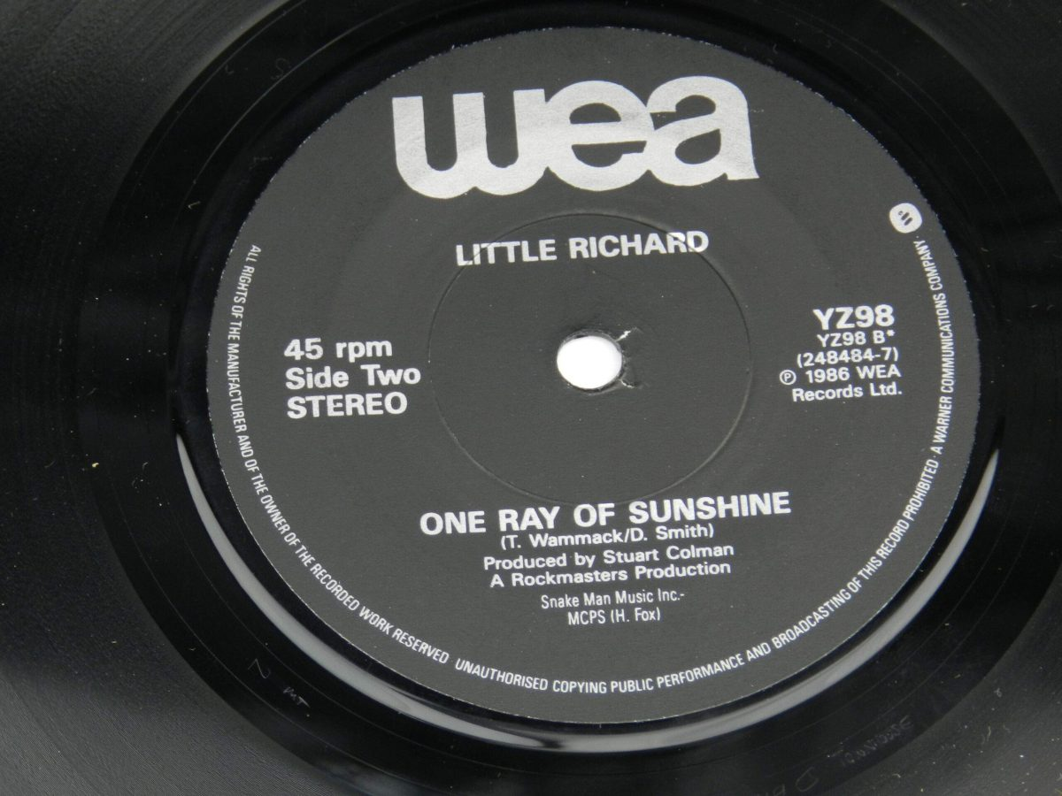 Little Richard – Somebodys Comin vinyl record side B label scaled
