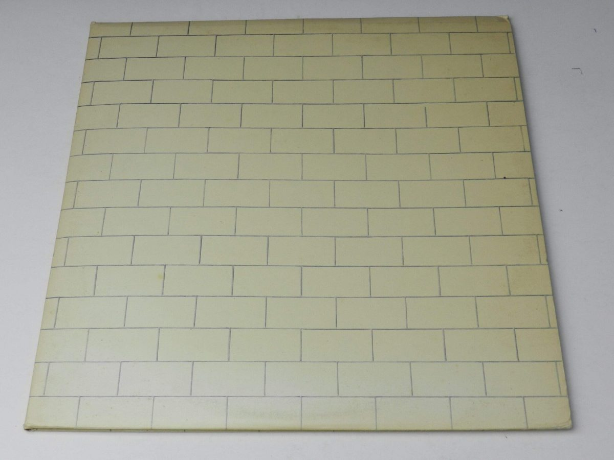 Pink Floyd – The Wall vinyl record sleeve scaled