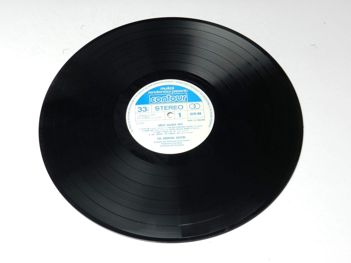 The Andrews Sisters – Great Golden Hits vinyl record side A scaled