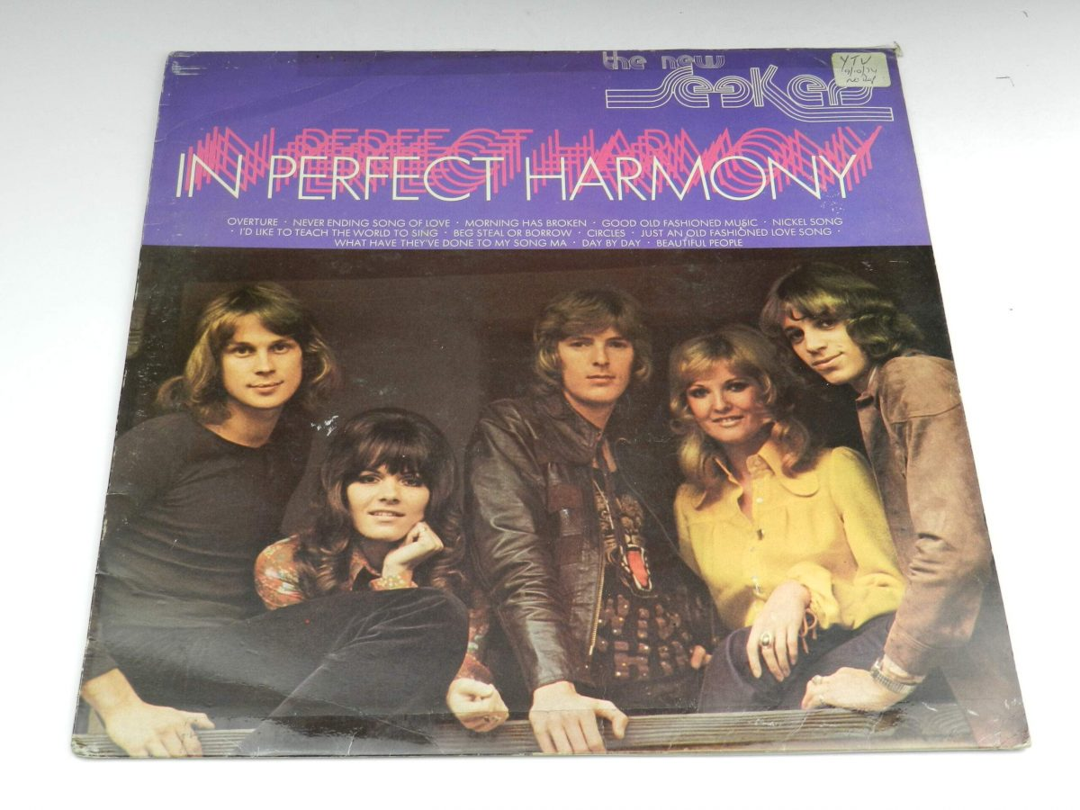 The New Seekers – In Perfect Harmony vinyl record sleeve scaled