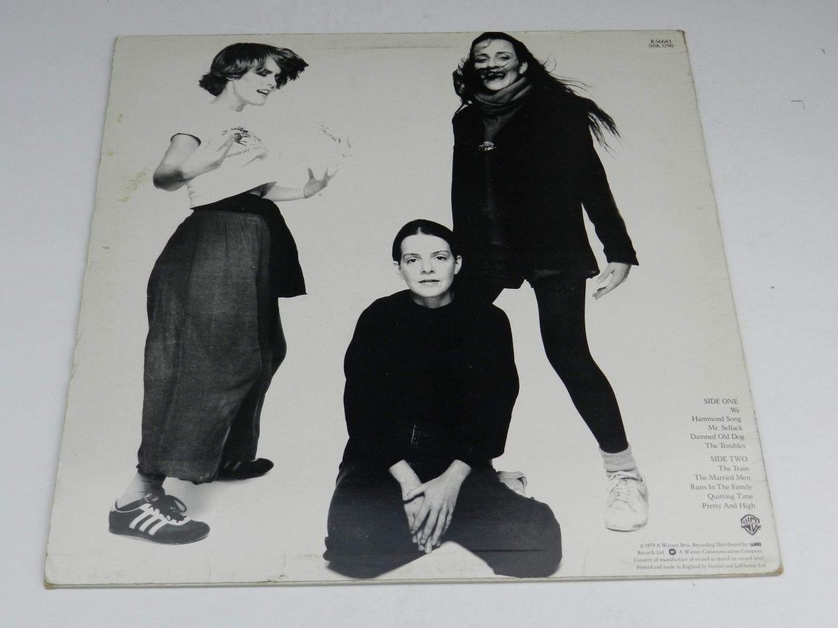 The Roches – The Roches vinyl record sleeve reaR scaled