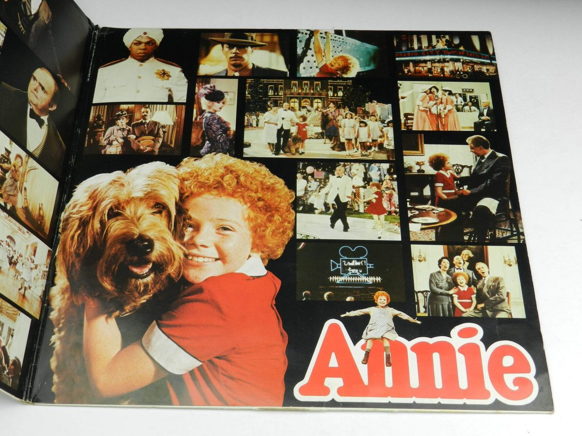 Various – Annie Original Motion Picture Soundtrack vinyl record sleeve gatefold 2 scaled