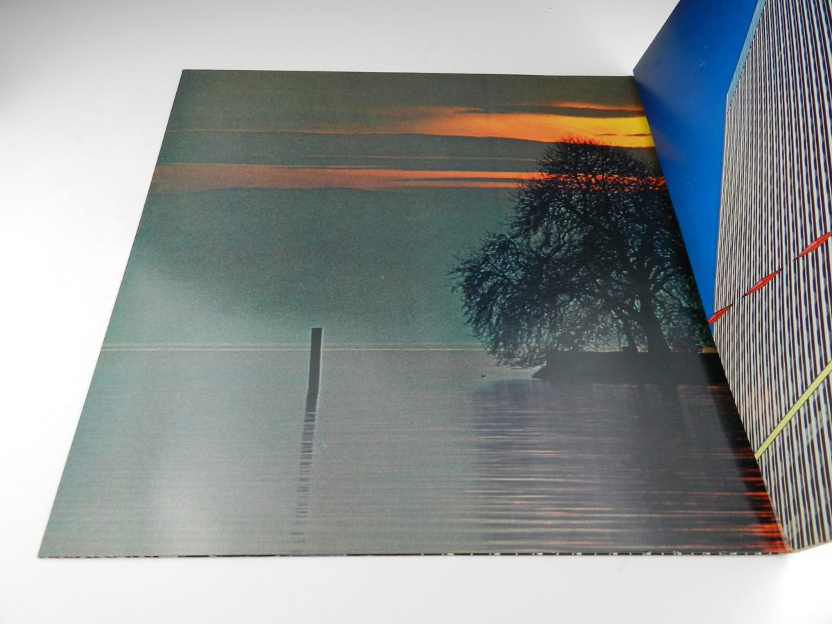 Yes – Going For The One vinyl record tri fold left scaled