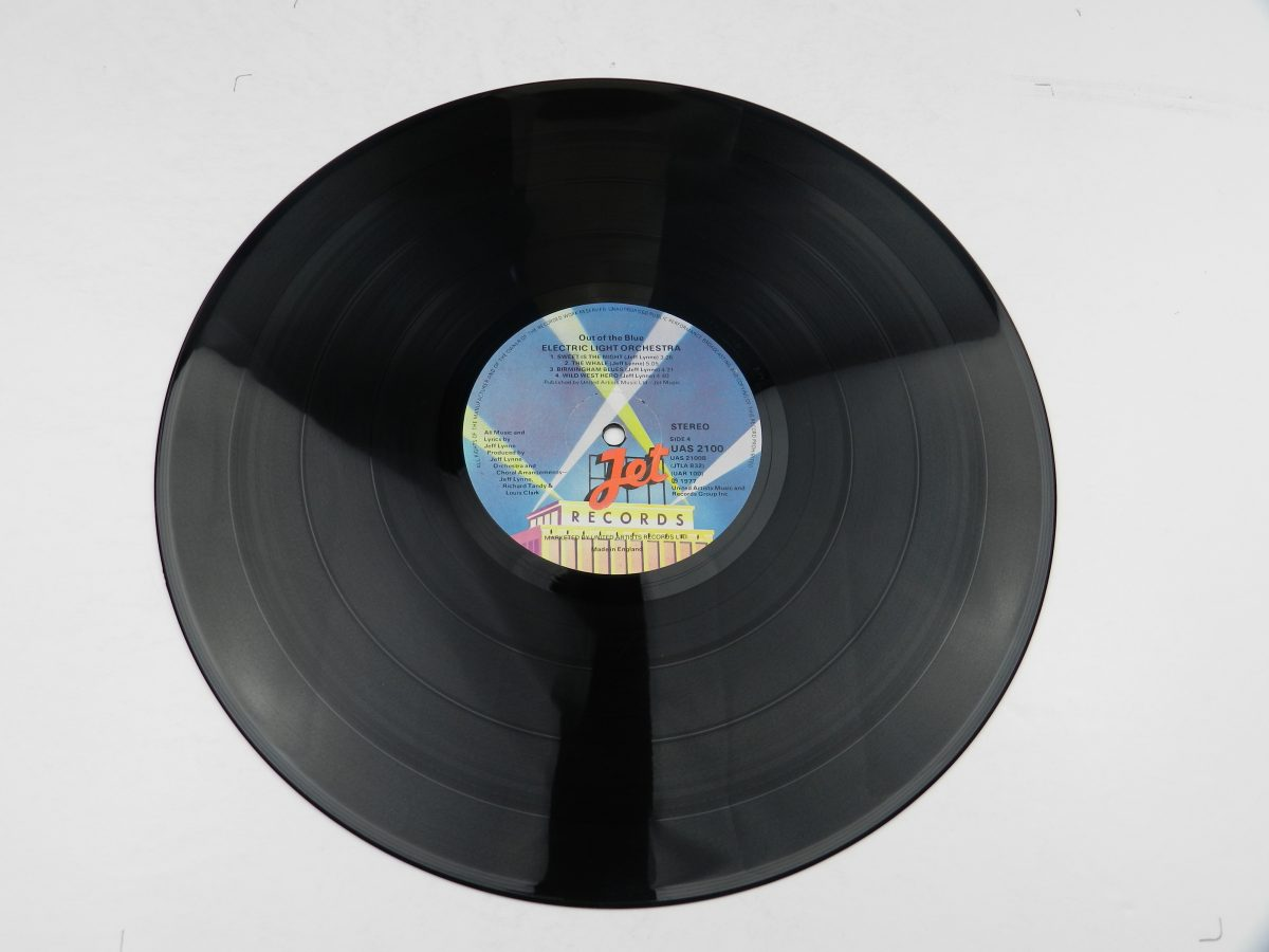 Electric Light Orchestra – Out Of The Blue vinyl record 2 side B scaled