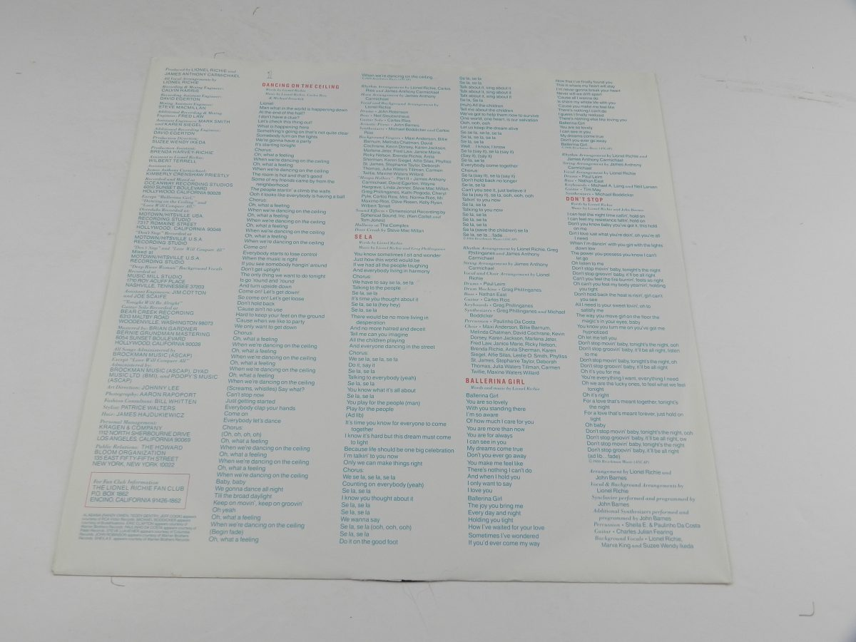 Lionel Richie – Dancing On The Ceiling vinyl record sleeve inner 2 scaled