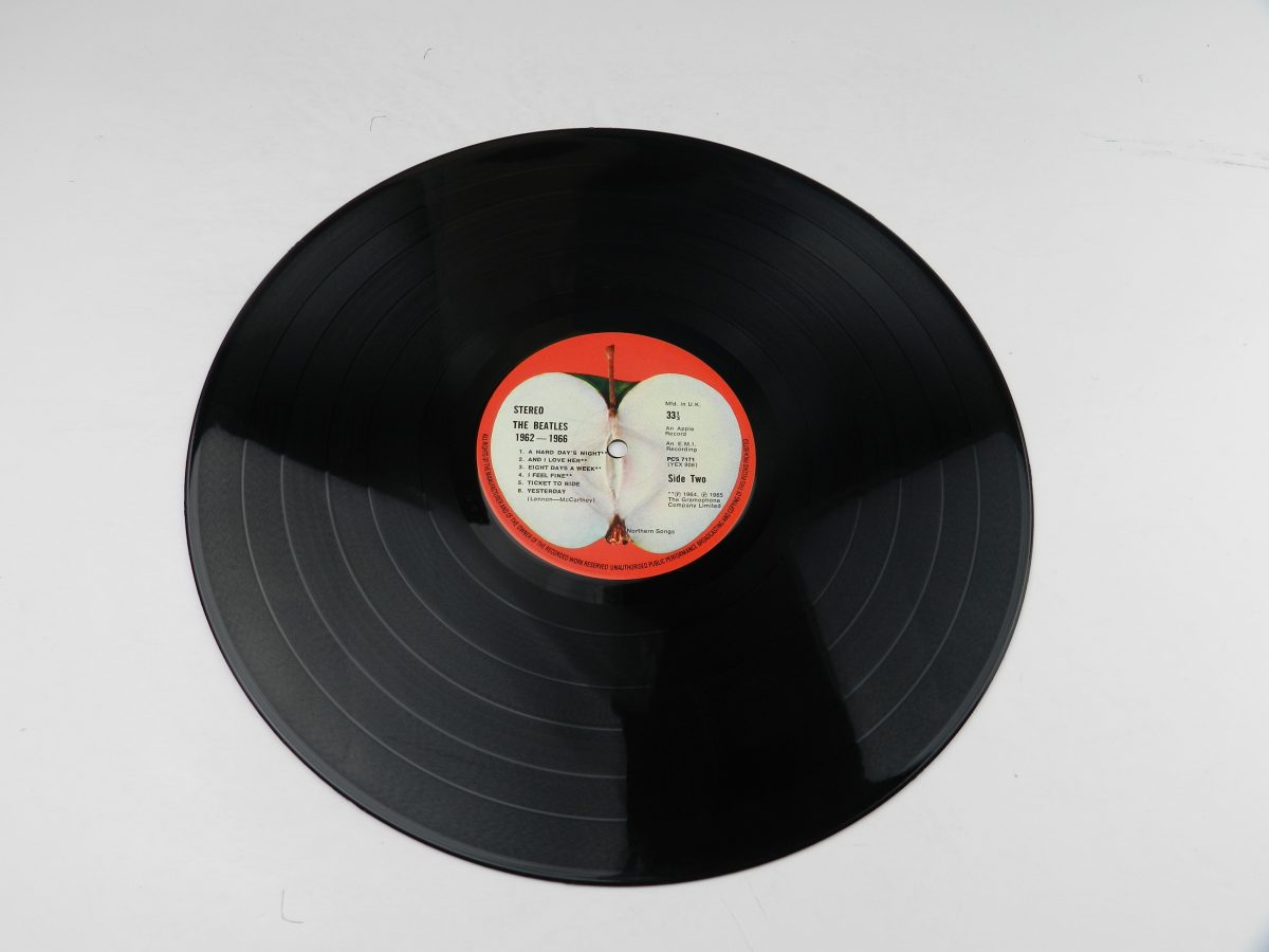 The Beatles – 1962 1966 vinyl record 1 side B scaled