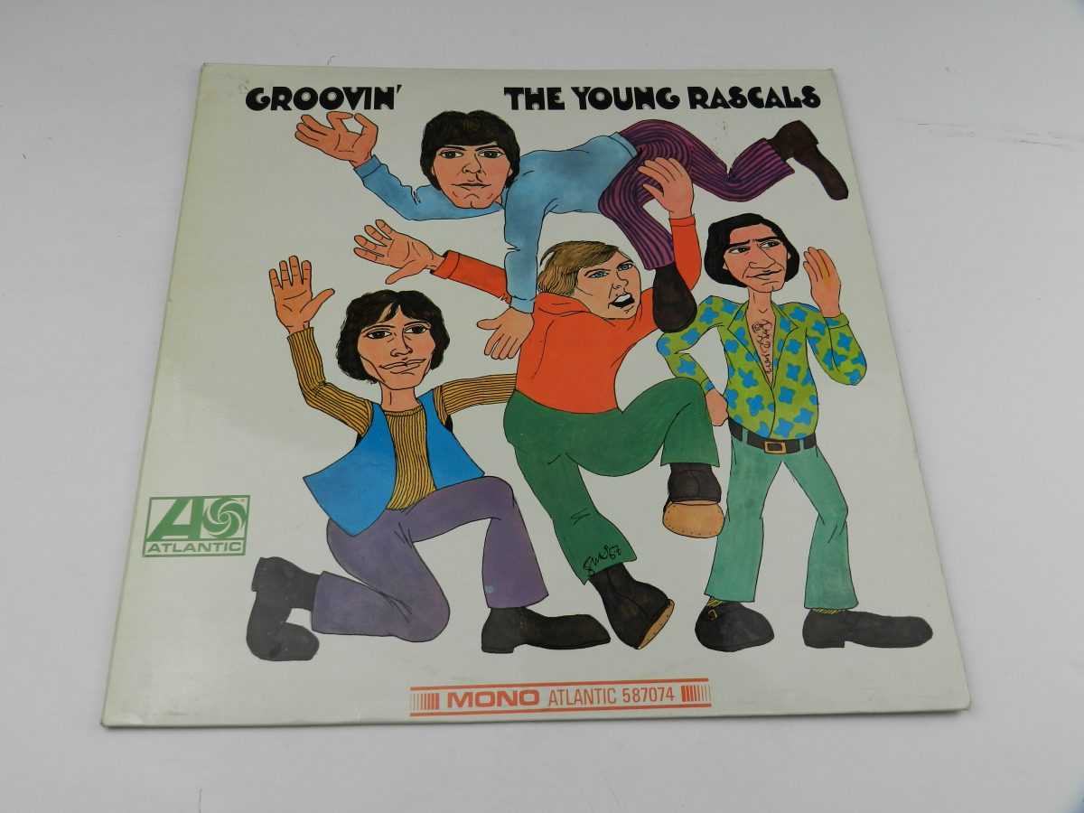 The Young Rascals – Groovin vinyl record sleeve scaled
