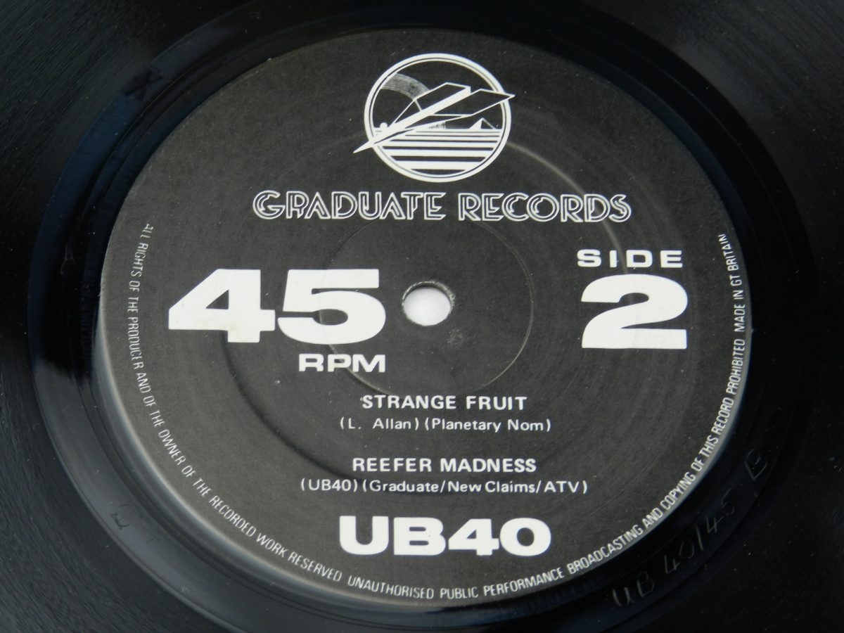 UB40 – Signing Off vinyl record 2 side B label scaled