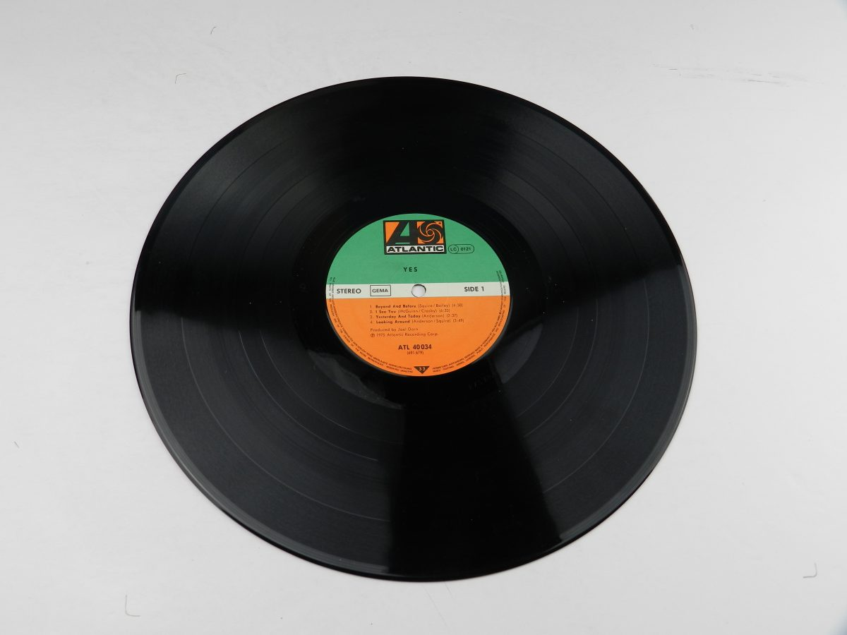 Yes – Yes vinyl record side A scaled