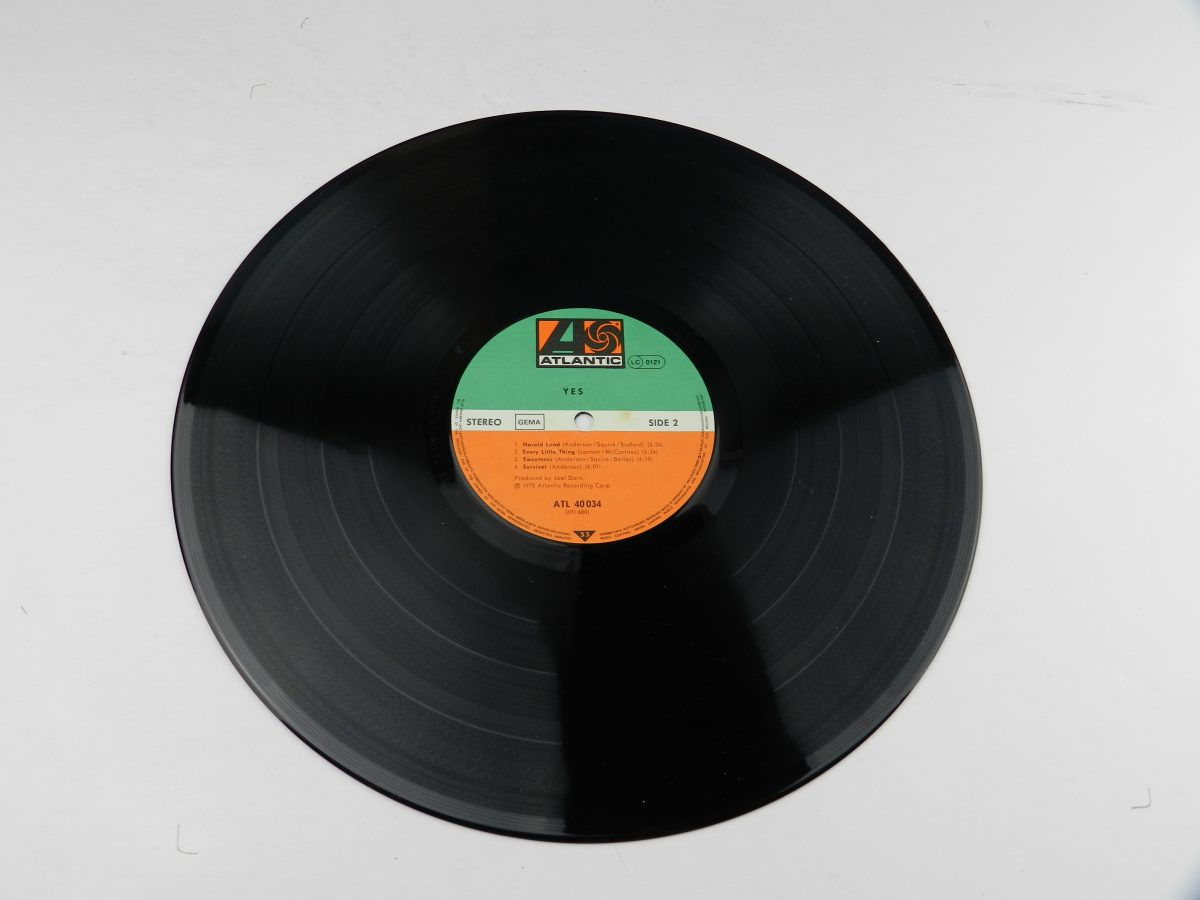 Yes – Yes vinyl record side B scaled