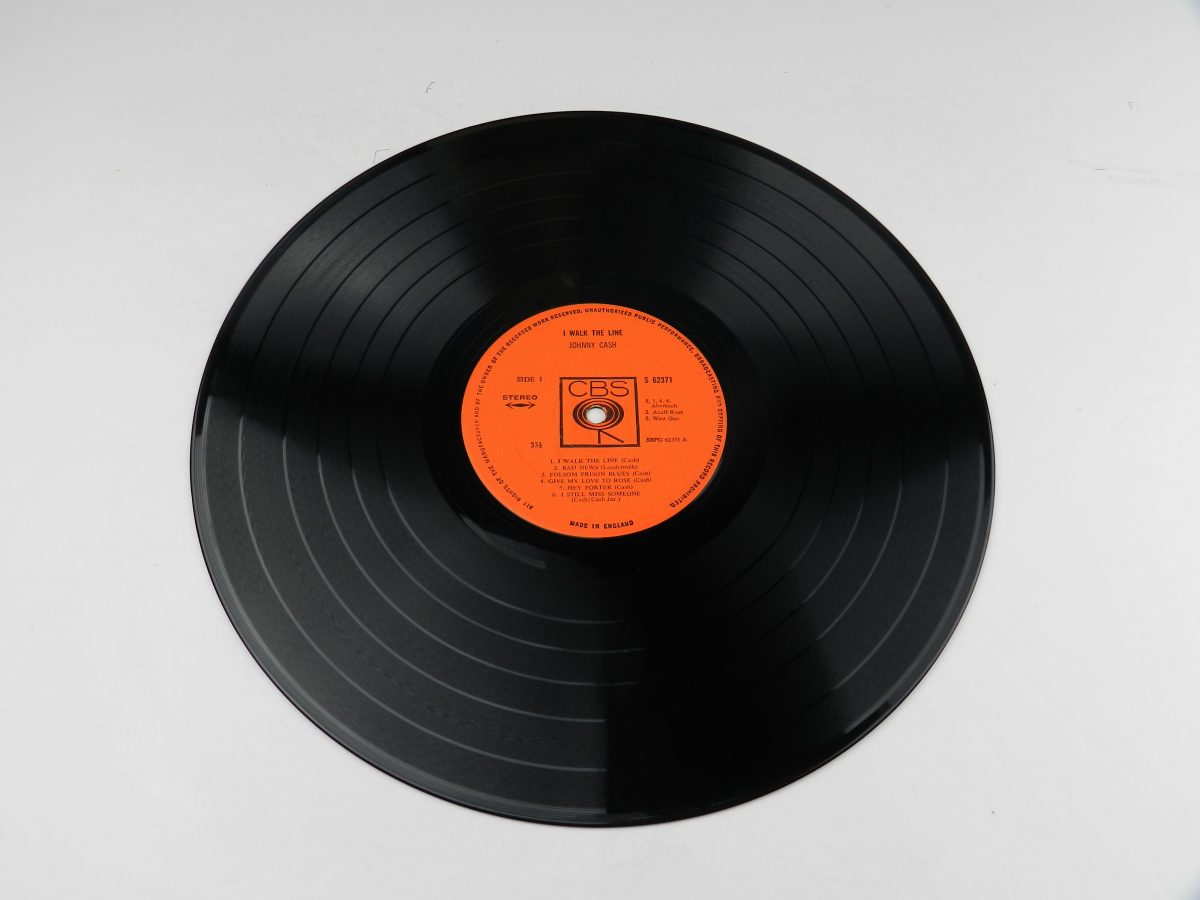 Johnny Cash – I Walk The Line vinyl record side A scaled