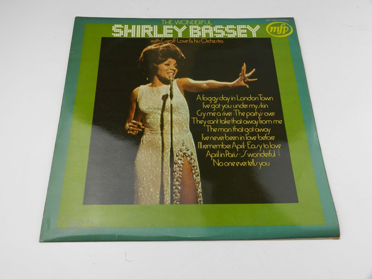 Shirley Bassey With Geoff Love His Orchestra – The Wonderful Shirley Bassey vinyl record sleeve scaled
