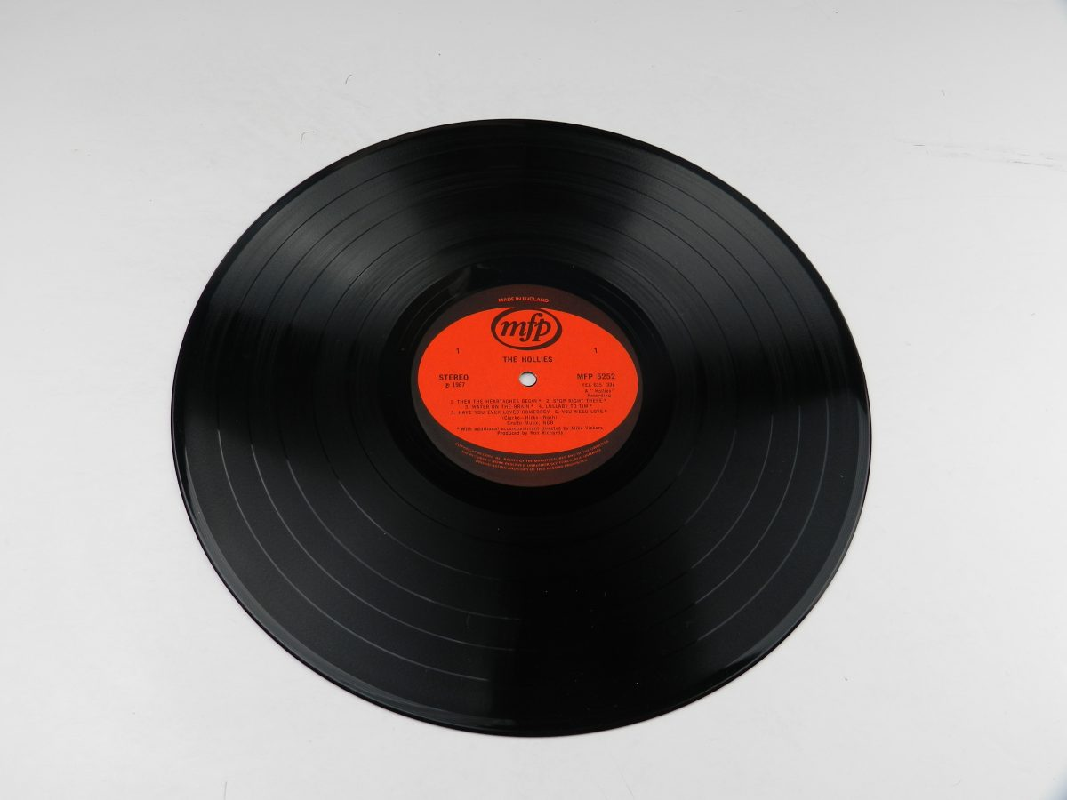 The Hollies – The Hollies vinyl record side A scaled