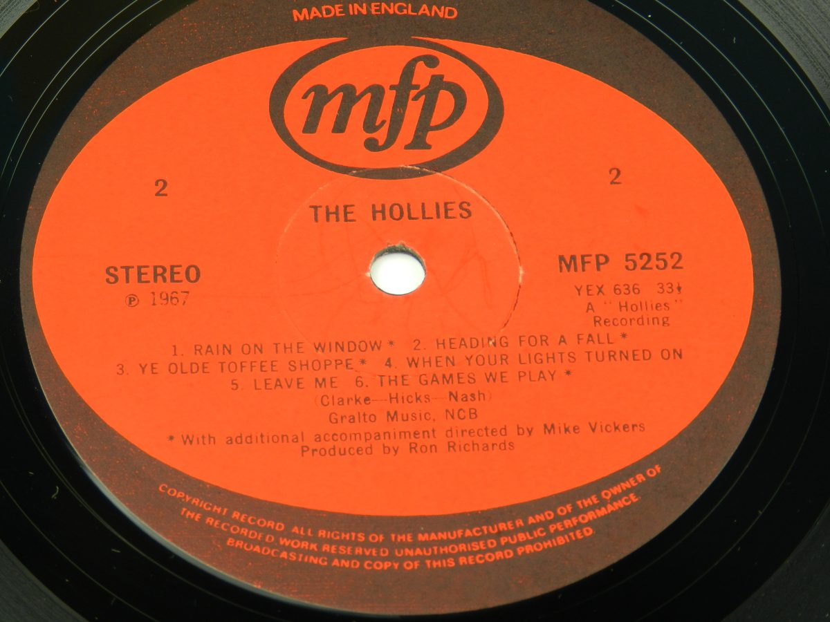 The Hollies – The Hollies vinyl record side B label scaled