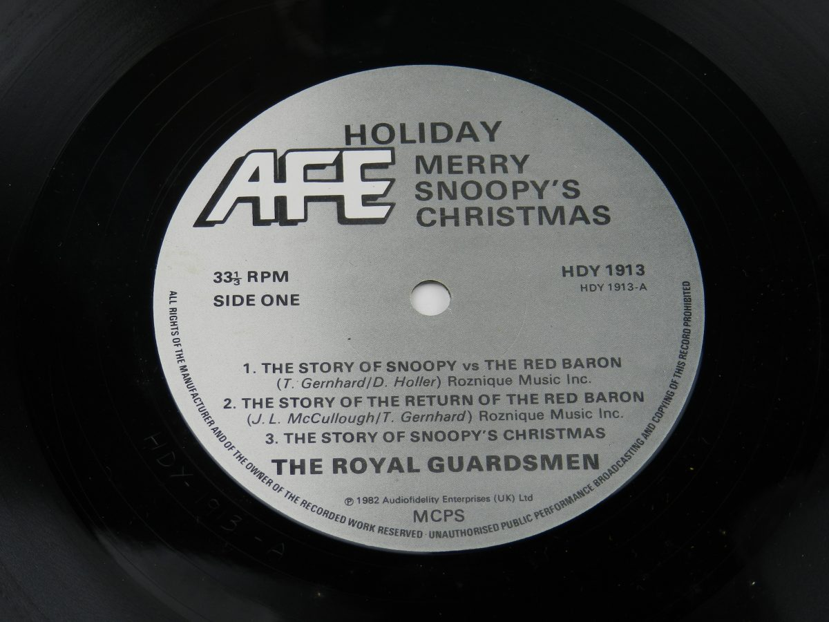The Royal Guardsmen – Merry Snoopys Christmas vinyl record side A label scaled
