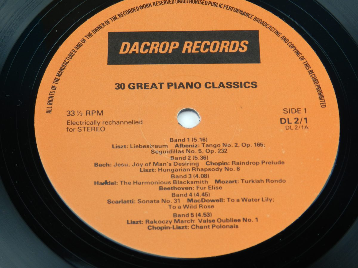 Unknown Artist – 30 Great Piano Classics vinyl record side A label scaled