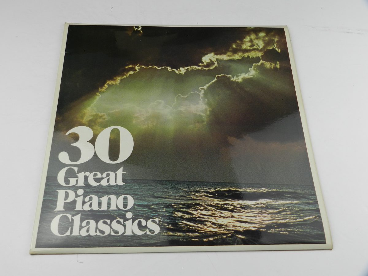 Unknown Artist – 30 Great Piano Classics vinyl record sleeve scaled