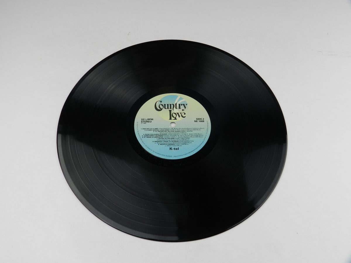 Various – Country Love vinyl record side B scaled